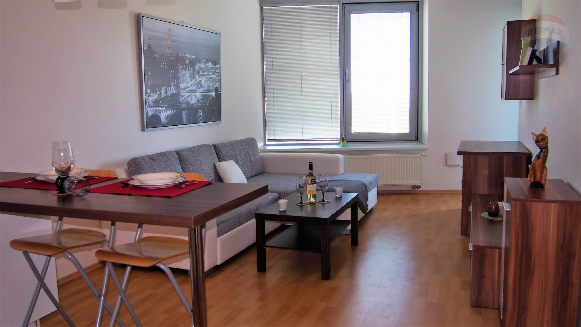 EXCLUSIVE OFFER FOR RENT - BAJKALSKÁ, 2-ROOMS APARTMENT, PROJECT III VEŽE - BALCONY, AIR CONDITION