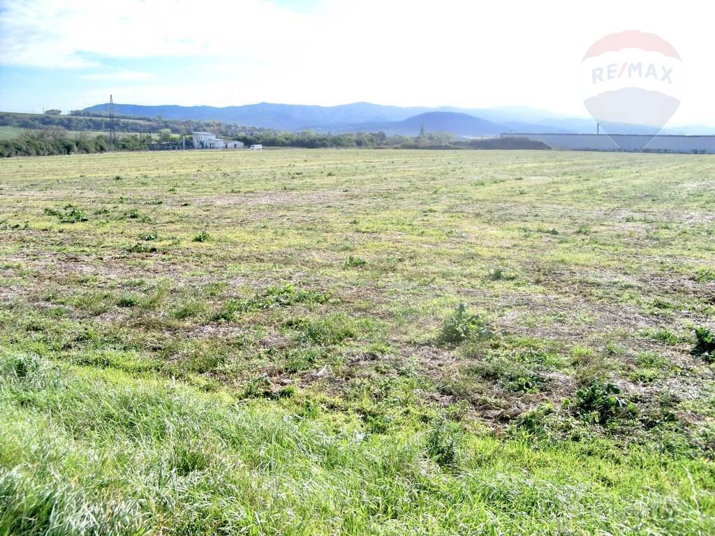 FOR SALE, LARGE INDUSTRIAL LAND, 157 581 m2 (= 38.94 acres), Nove Mesto nad Vahom, SLOVAKIA, EUROPE