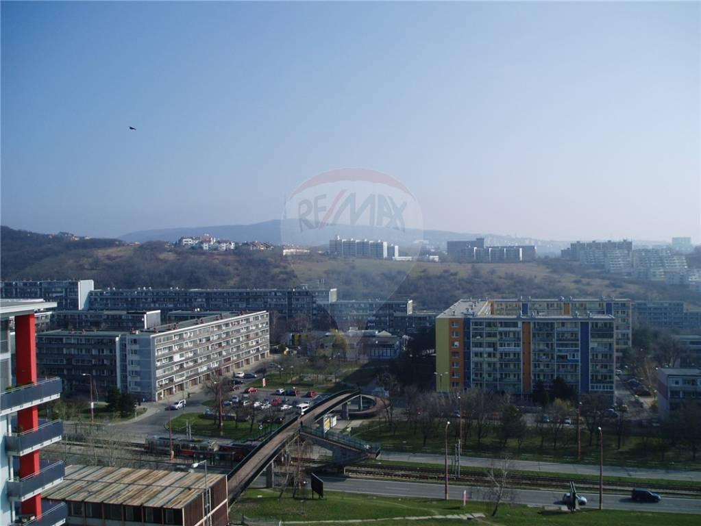 Predaj bytu (3 izbový) 103 m2, Bratislava - Karlova Ves -