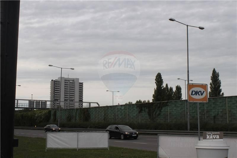 Predaj pozemku 5239 m2, Bratislava - Petržalka -