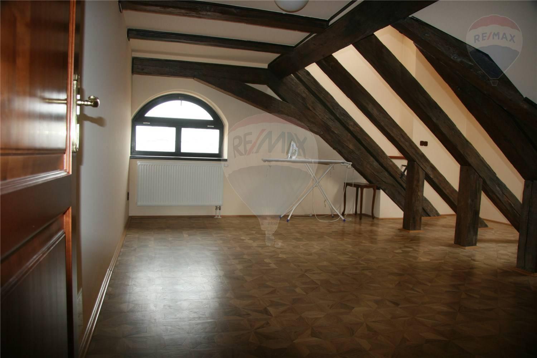 Predaj bytu (5 izbový a väčší) 228 m2, Bratislava - Staré Mesto -