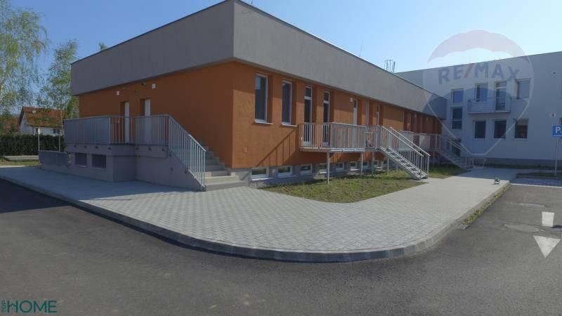 Predaj:1-izbový apartmán , Bystrická ulica, Devínska Nová Ves