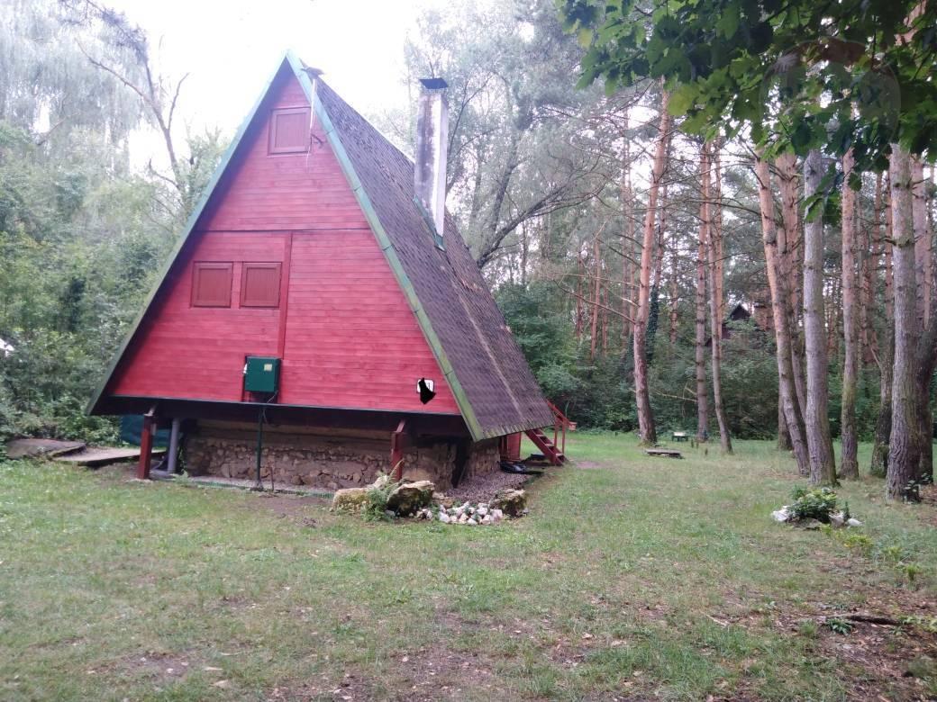 PREDAJ : Rekreačná chata pri jazere rekreačná oblasť Tomky