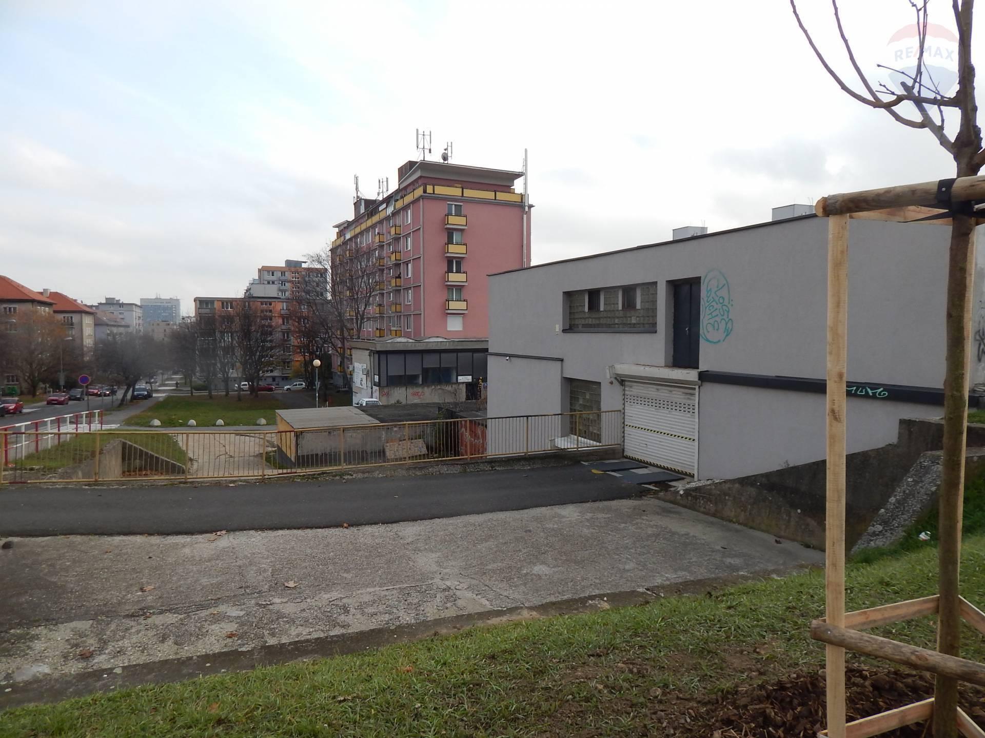 PREDAJ: Garáž v garážovom dome v lokalite Nové mesto,Kraskova ulica