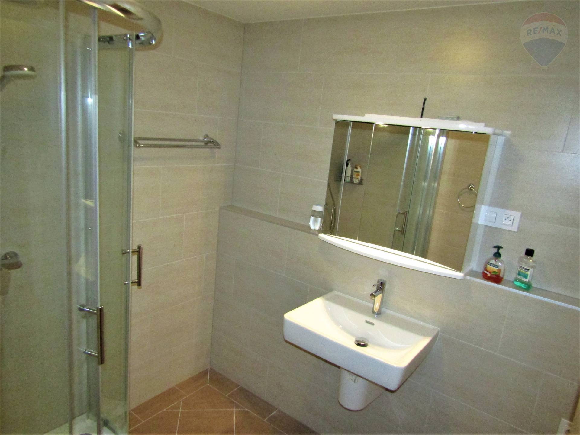 Predaj bytu (3 izbový) 64 m2, Bratislava - Karlova Ves -