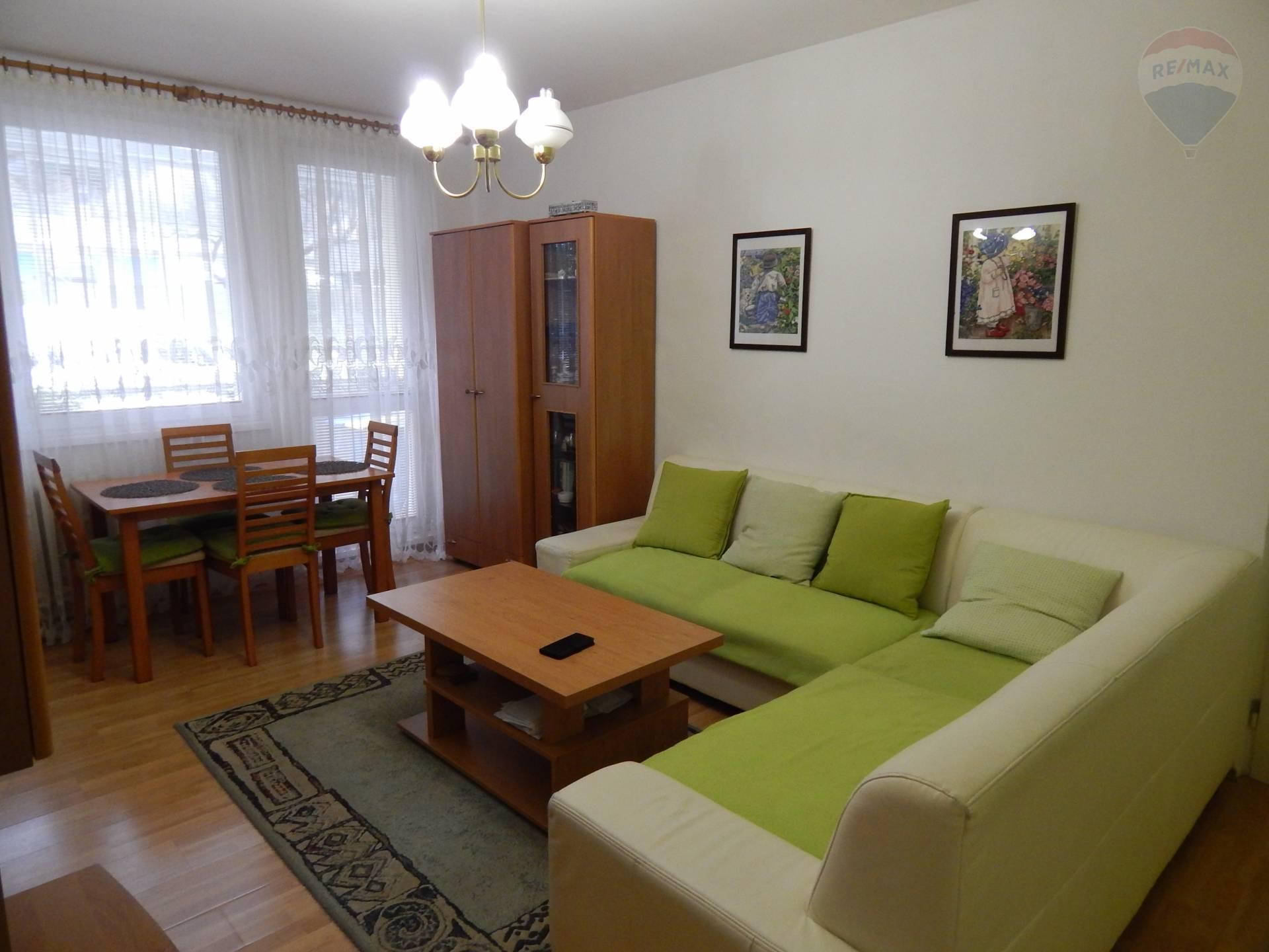 Predaj :Krásny 5i-byt vo vyhľadávanej lokalite v Karlovej Vsi s veľkou ložiou