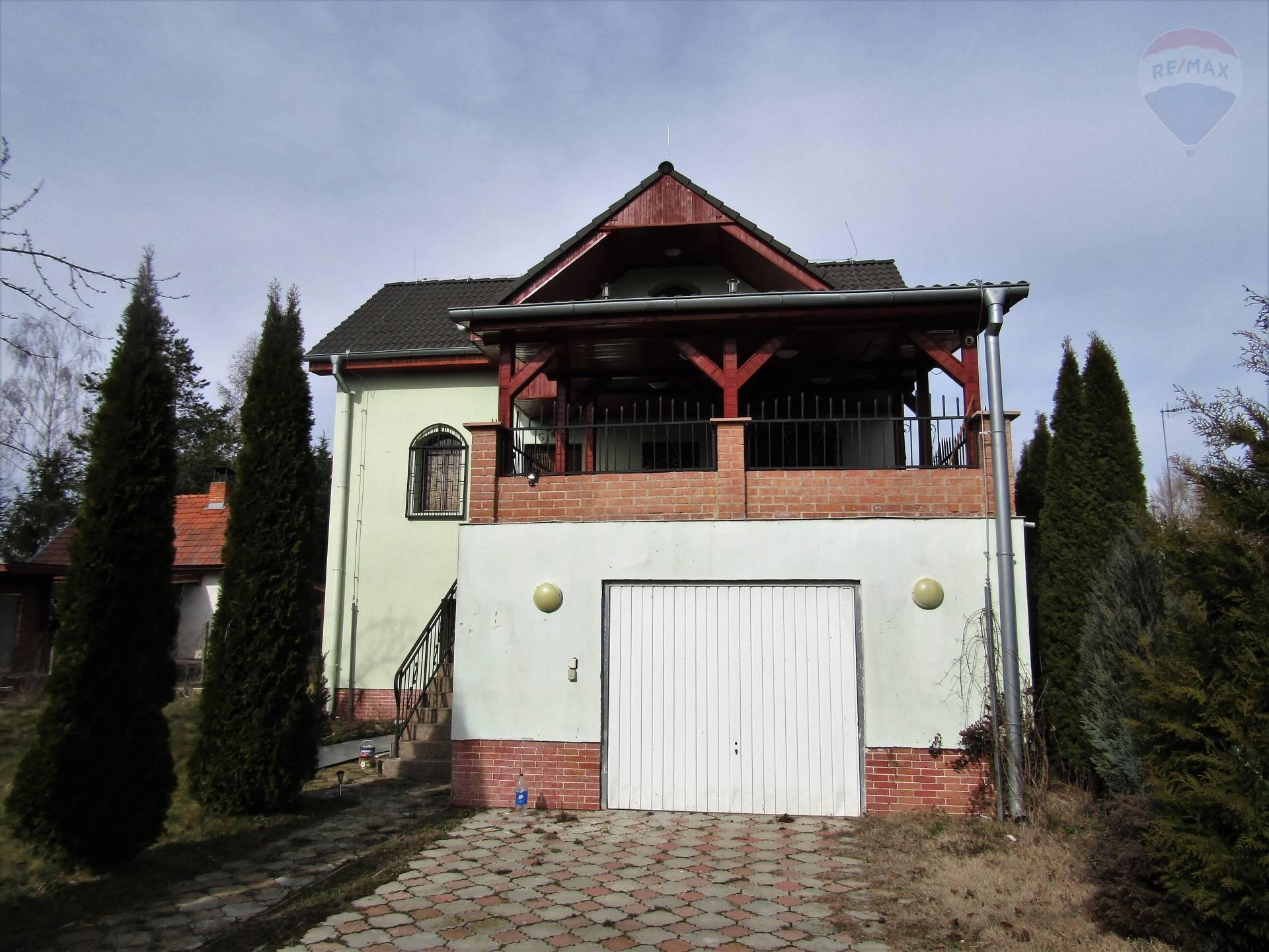 Predaj murovanej zateplenej 4 izbovej chaty s pozemkom 520 m2 v záhr. osade Váh II Kralová nadVáhom