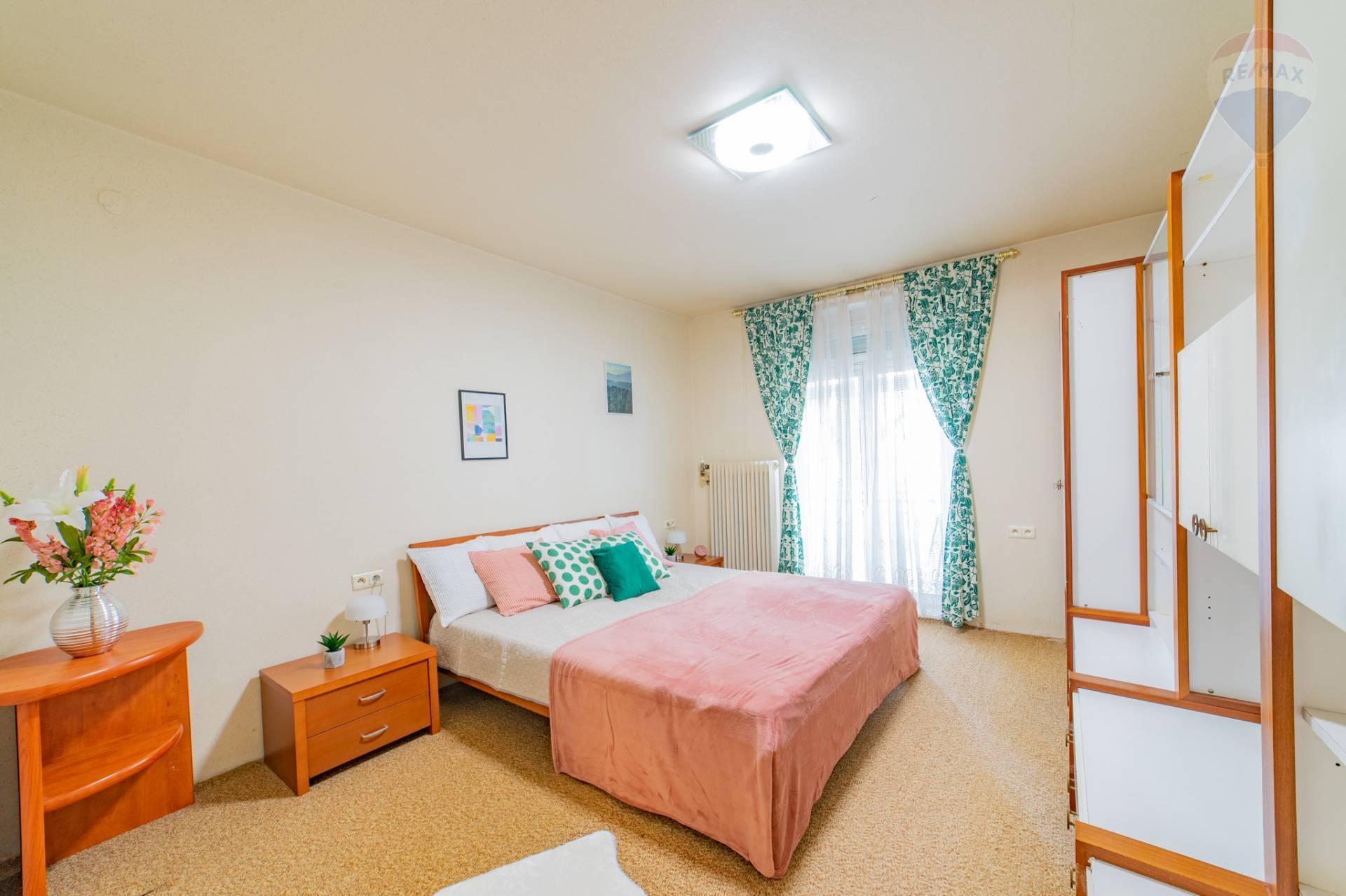 PREDAJ>>>3 izbový byt s parkovaním - Staré Mesto - Fraňa Krála