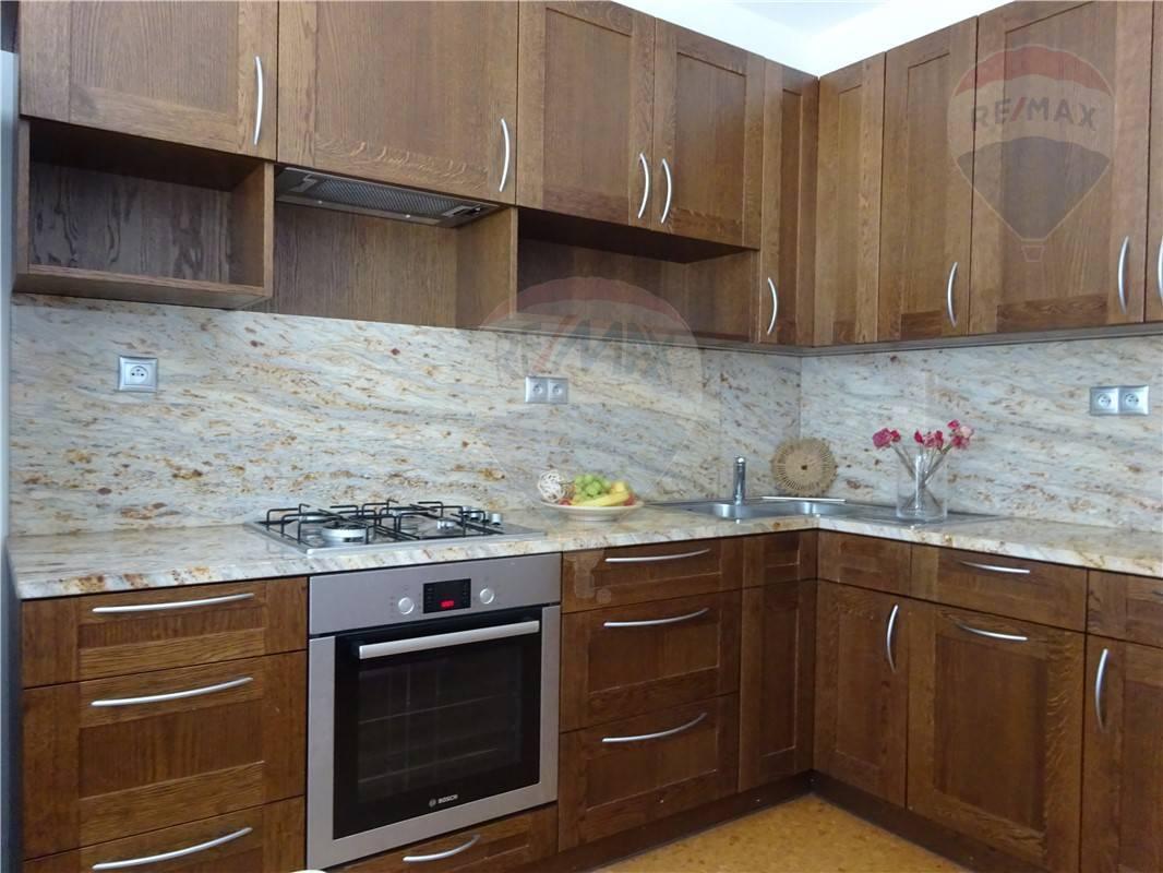 Predaj  4-izb. byt Petržalka Belinského 83m2 plus lodžia