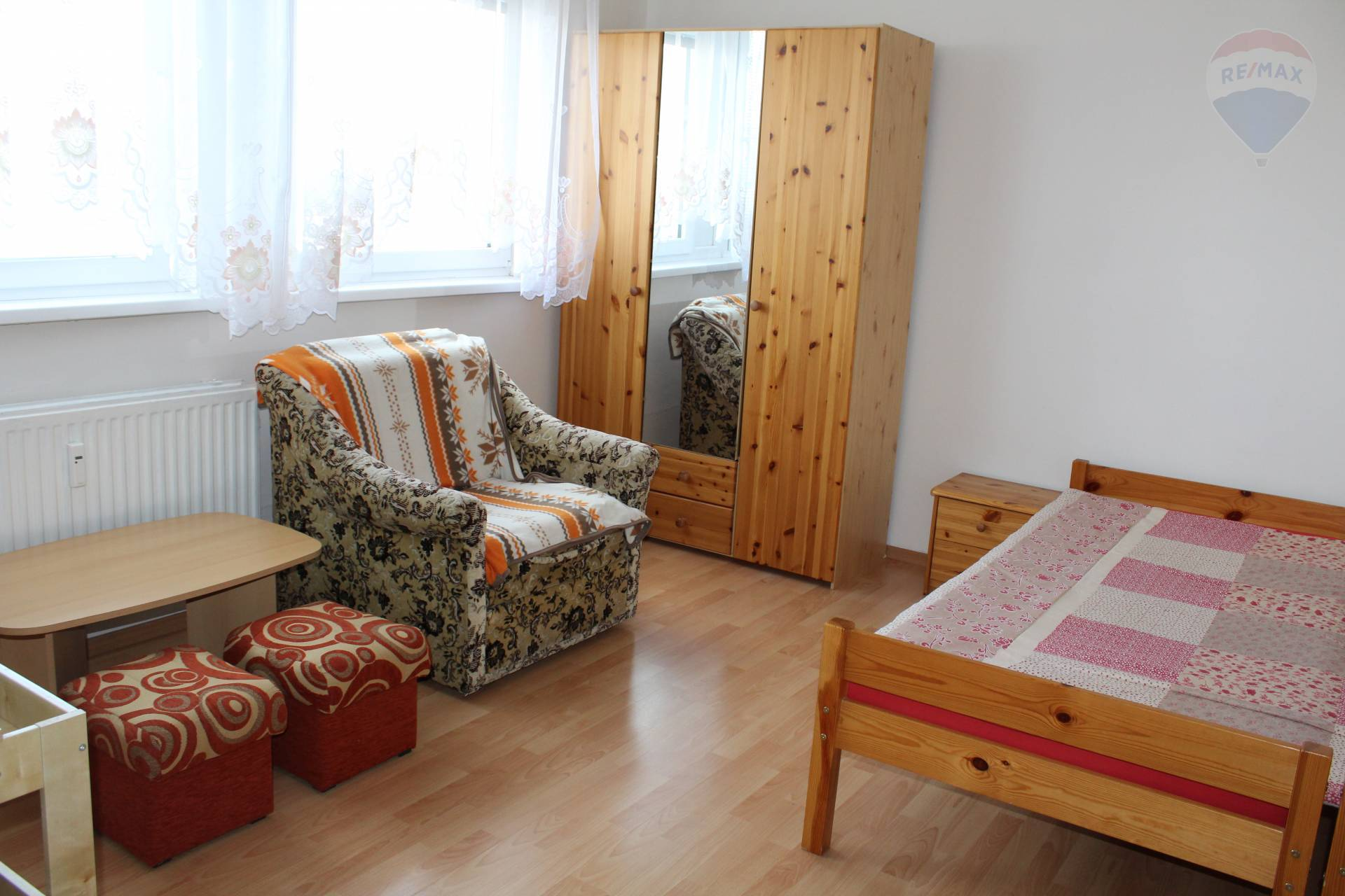 RE/MAX Elite ponúka na prenájom pekný 1 izbový byt na Martinčekovej ul.