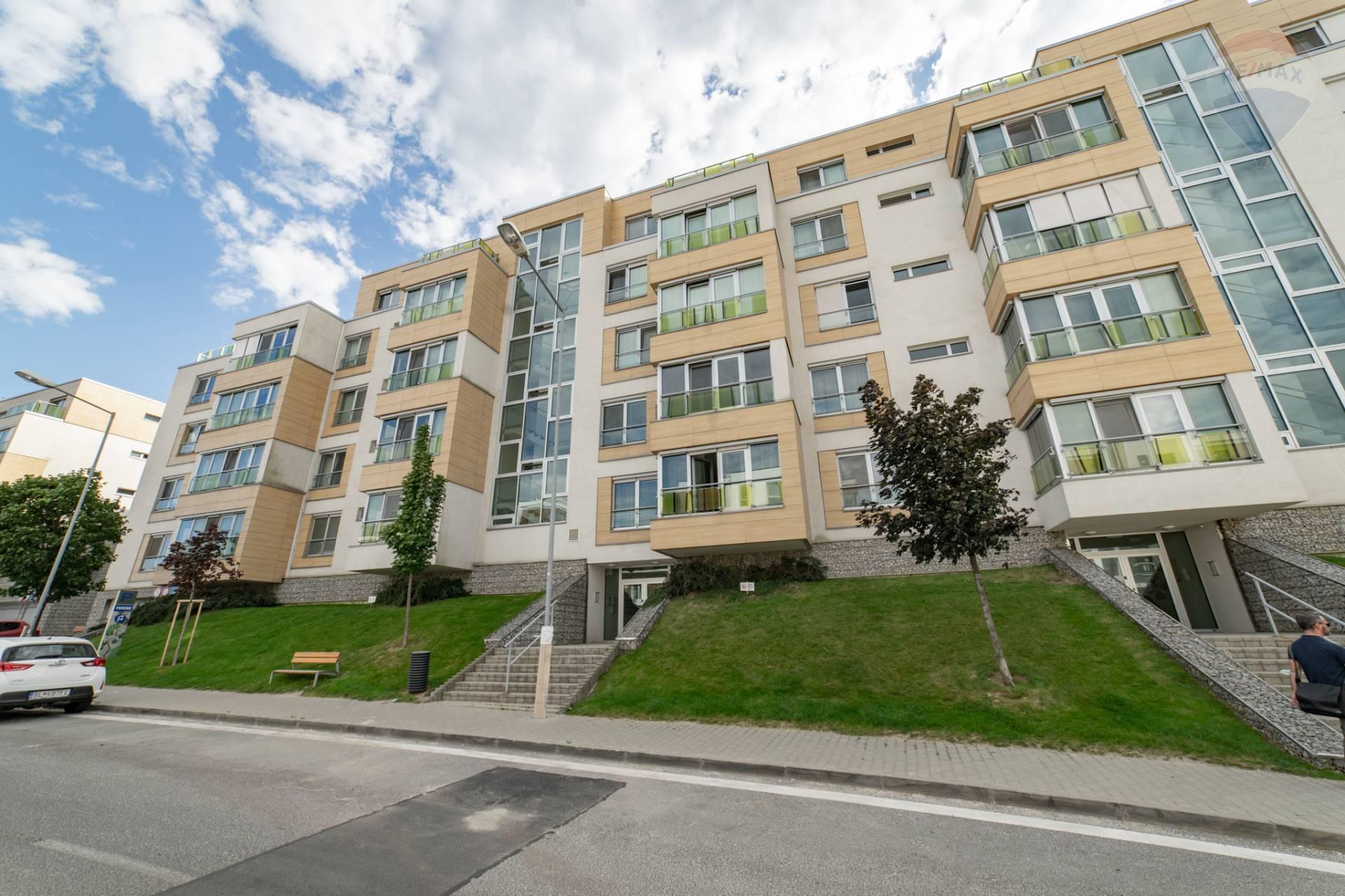PRENÁJOM >> 3 izbový byt – novostavba ulica Tupého 51A