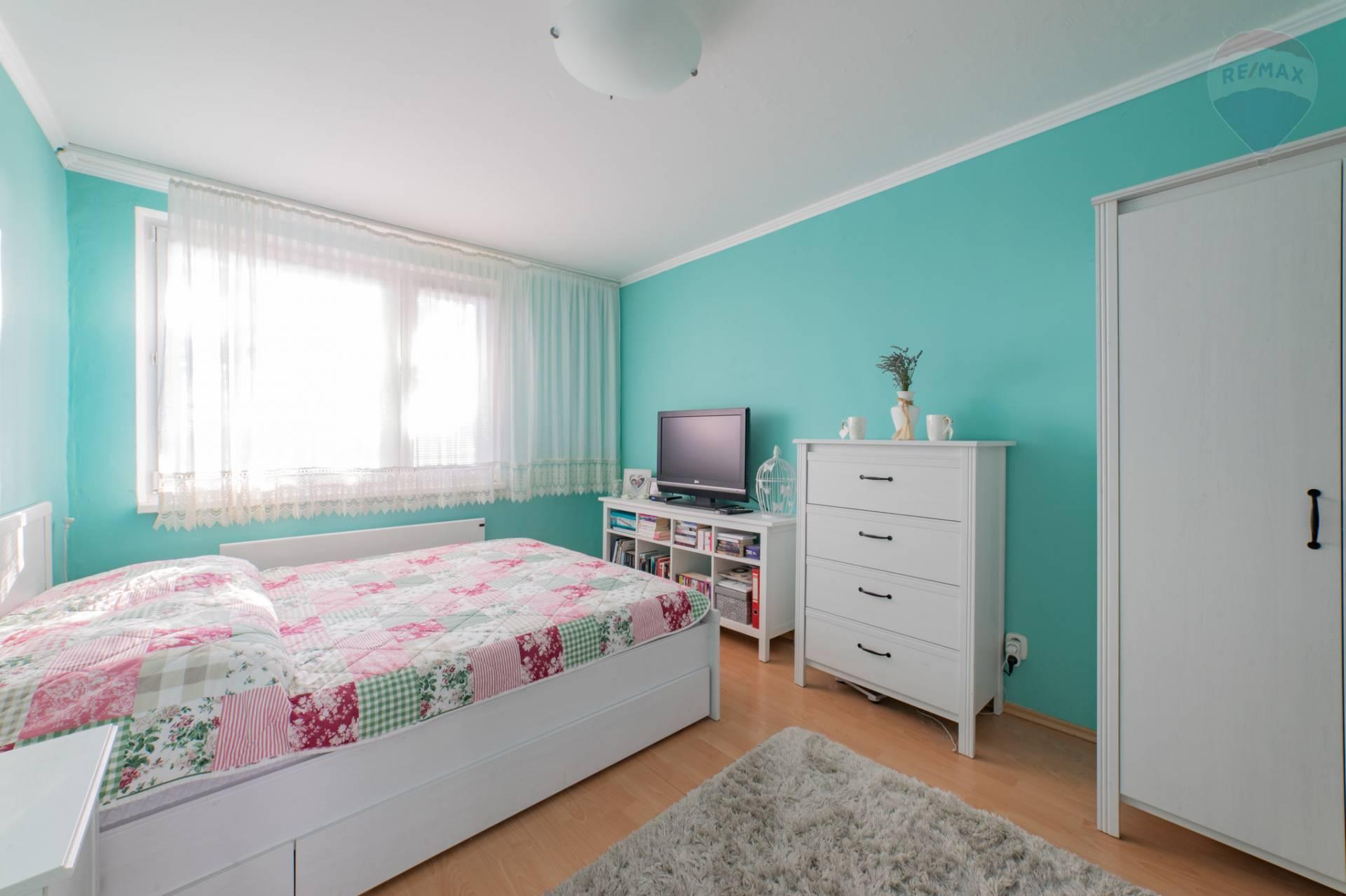 PREDAJ >> 4 izbový byt - Rača – Na Pasekách 10