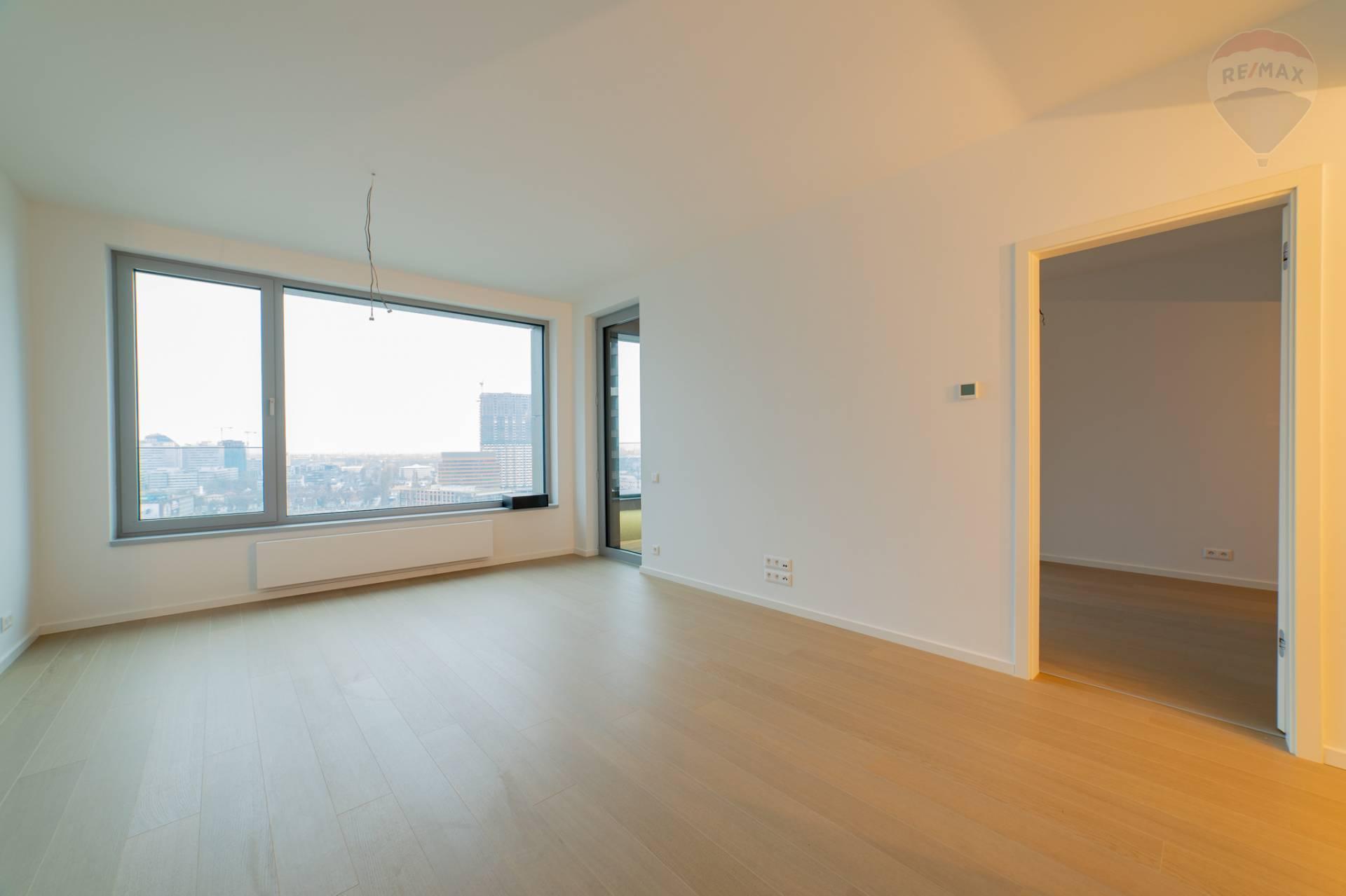 PREDAJ >> 2 izbový byt – Staré Mesto – SKY PARK