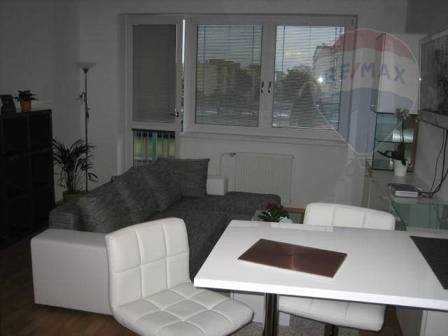 Predaj bytu (2 izbový) 54 m2, Bratislava - Vrakuňa -