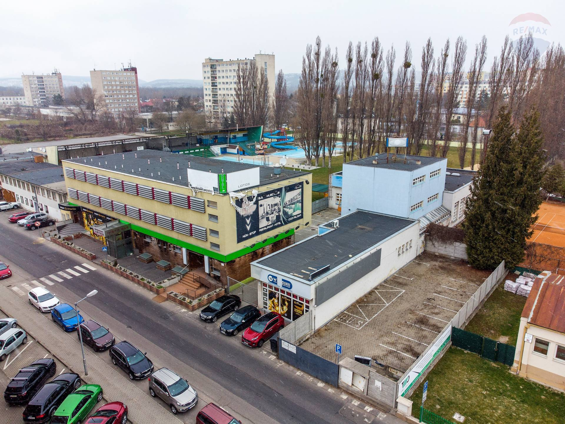 Predaj - polyfunkčný objekt v rýchlo sa rozvíjajúcej zóne, Bratislava - Petržalka
