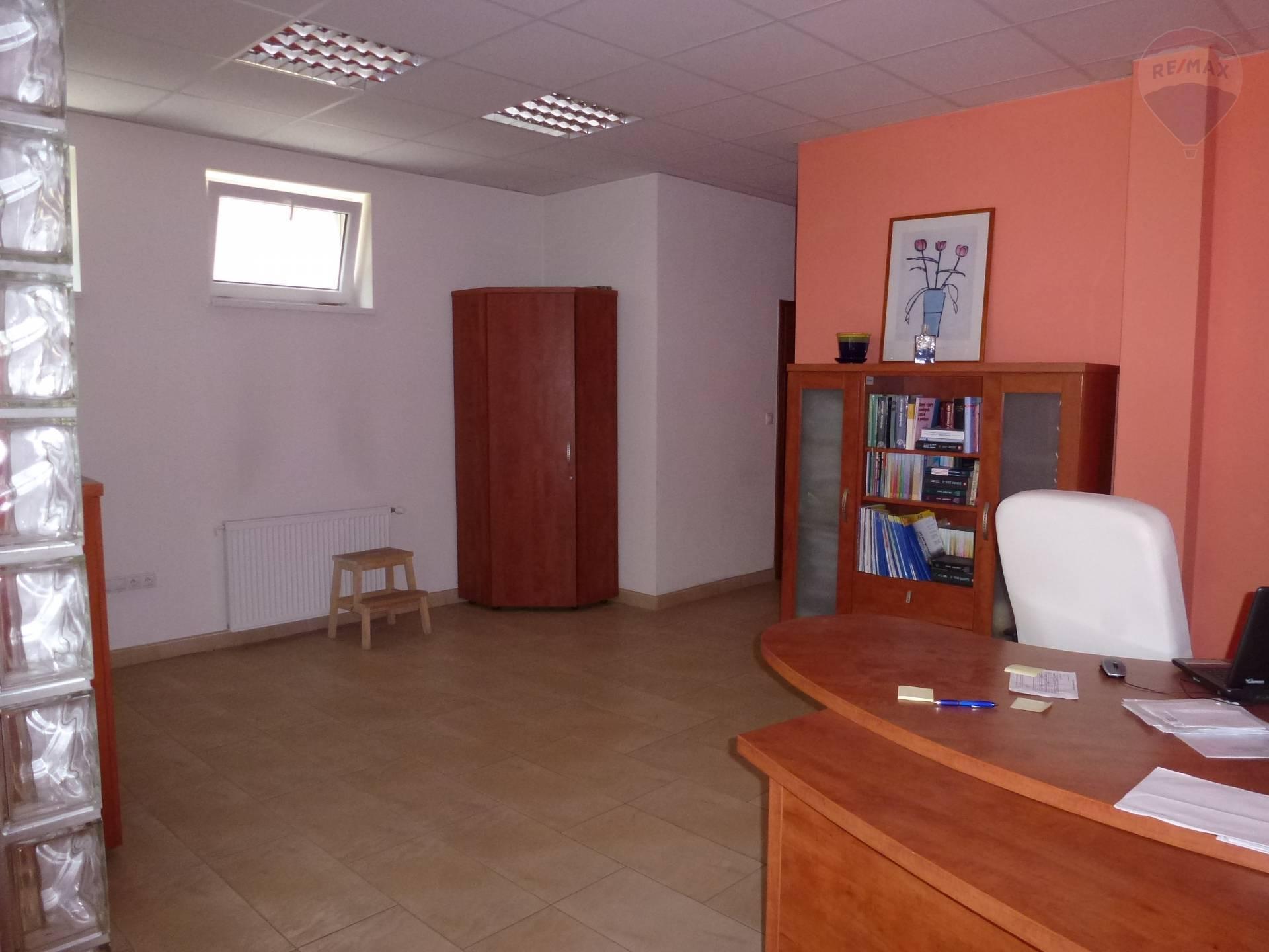 Prenájom komerčného priestoru 4 m2, Martin -