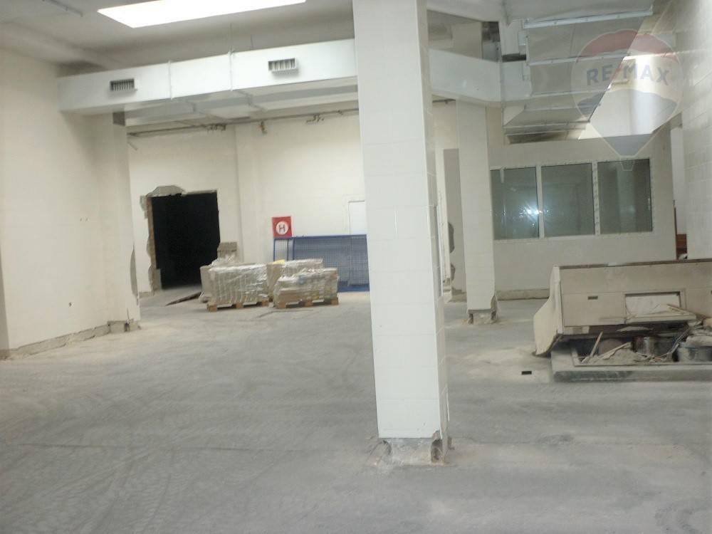 Prenájom, skladové priestory 1340 m2, Vrútky