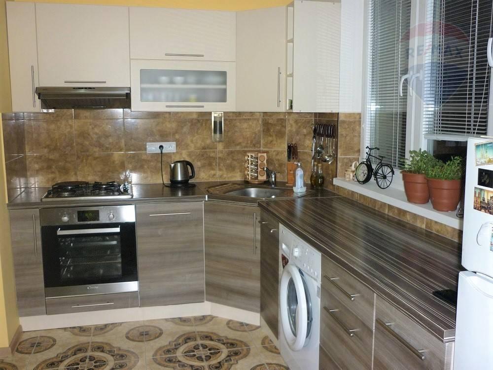 Predaj. 3 izbový, tehlový byt, 68 m2, Martin - Priekopa