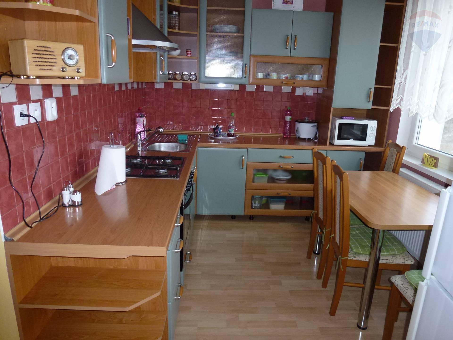 Prenánom 3 izbový byt  67 m2 Sever