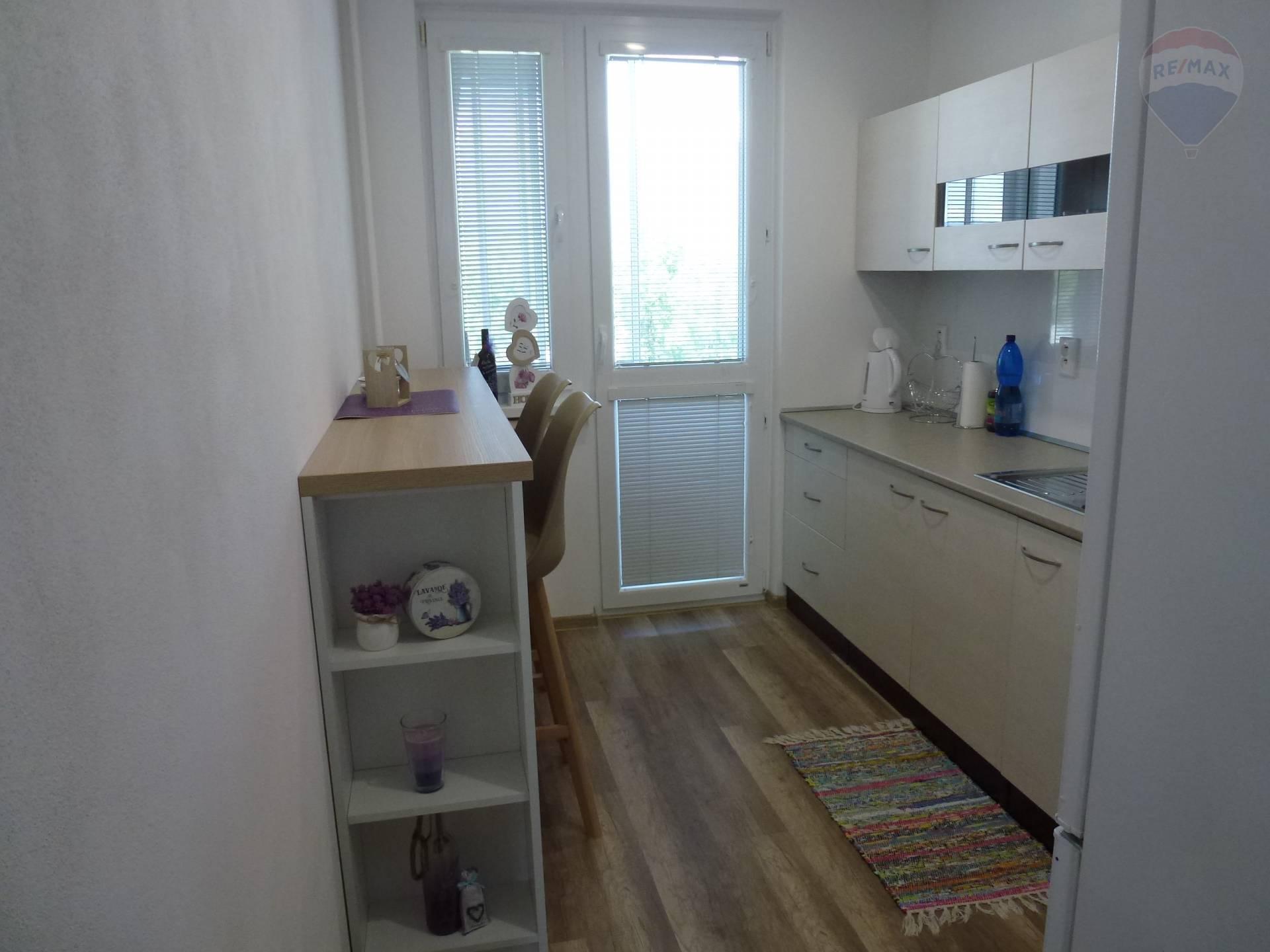 Na prenájom 2 izbový byt Priekopa