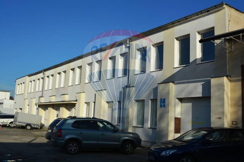 Predaj komerčného objektu 806 m2, Poprad - Na predaj administratívna budova Poprad-Veľká
