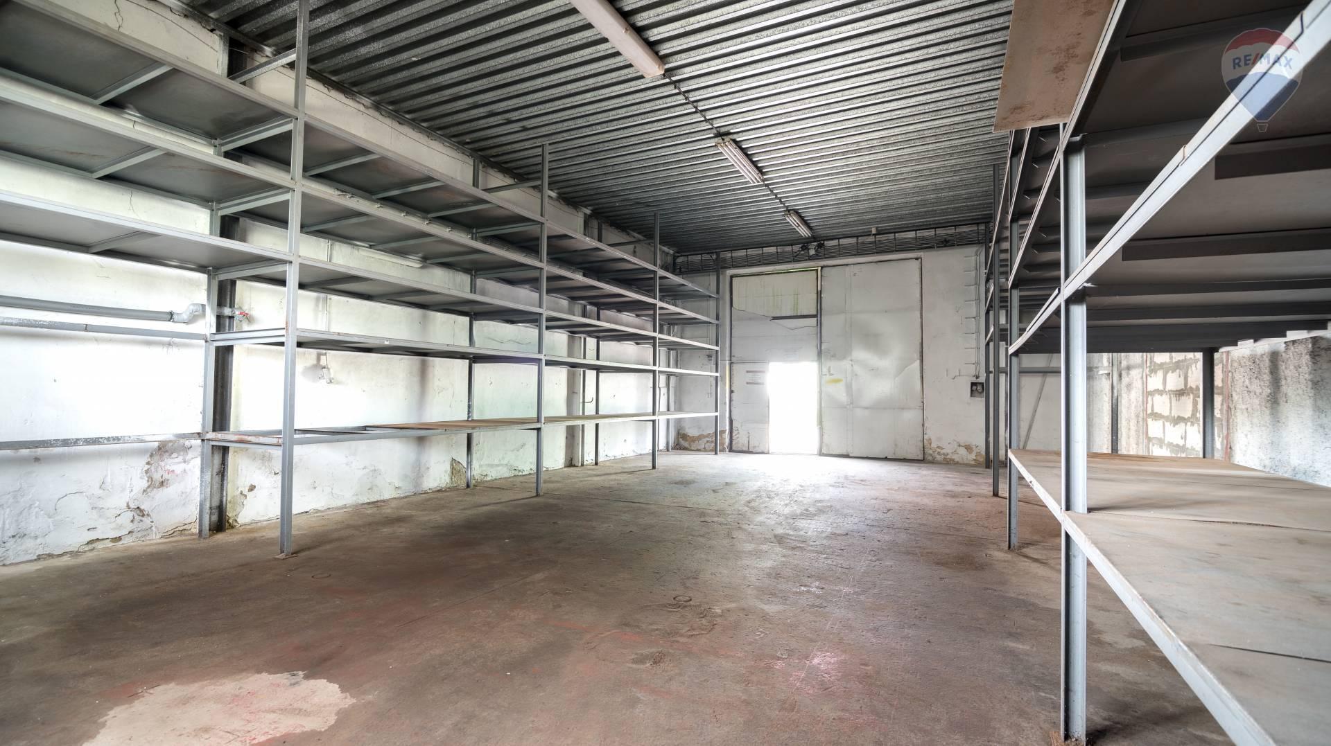 Prenájom komerčného priestoru (skladové) 82,2 m², Košice - Barca
