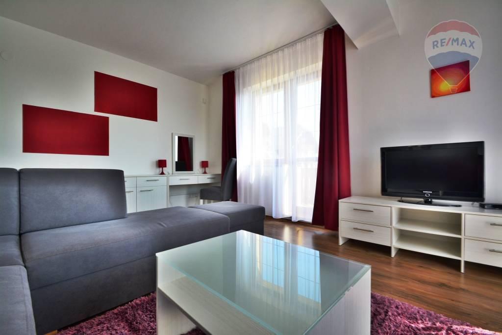 Na prenájom 2 izbový apartmánový byt, Veľká Lomnica