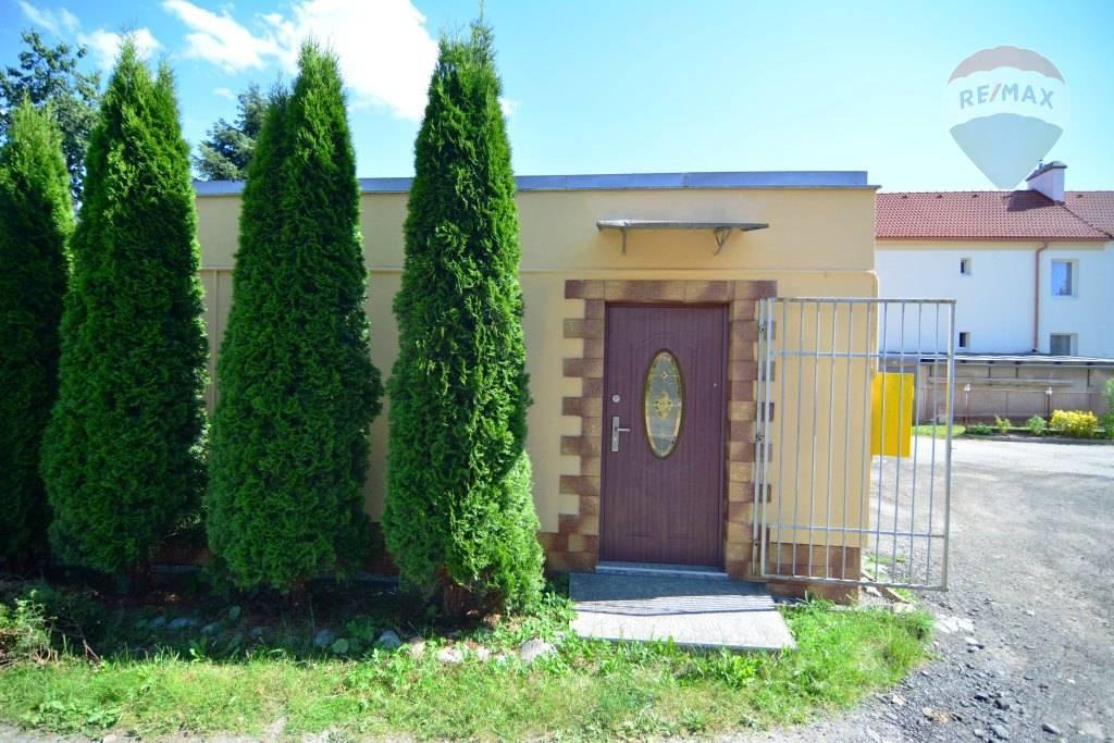 Prenájom komerčného priestoru 16 m2, Svit - na prenájom kancelársky priestor Svit okres Poprad