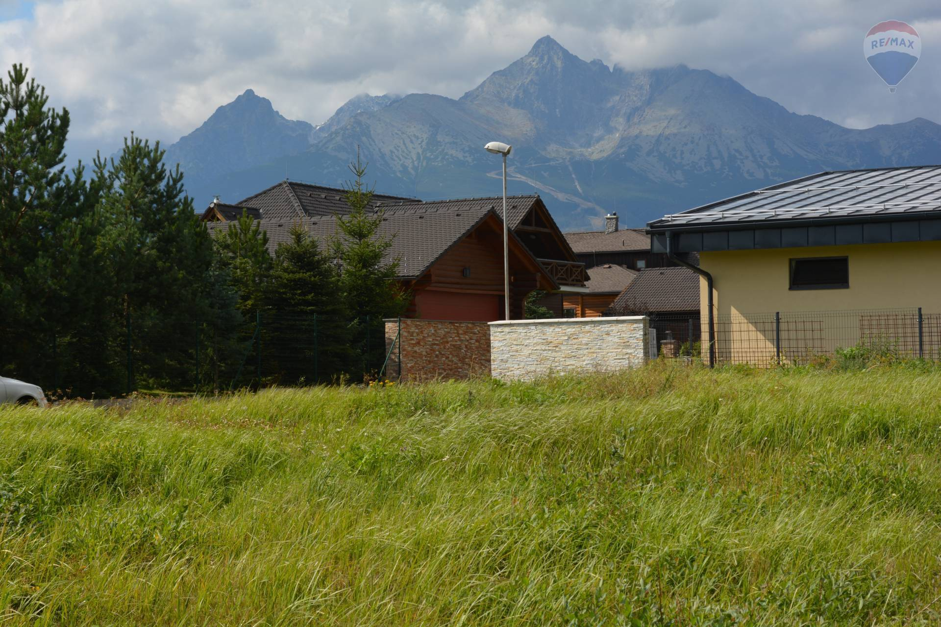 Predaj pozemku 1274 m2, Veľká Lomnica - výhľad z pozemku