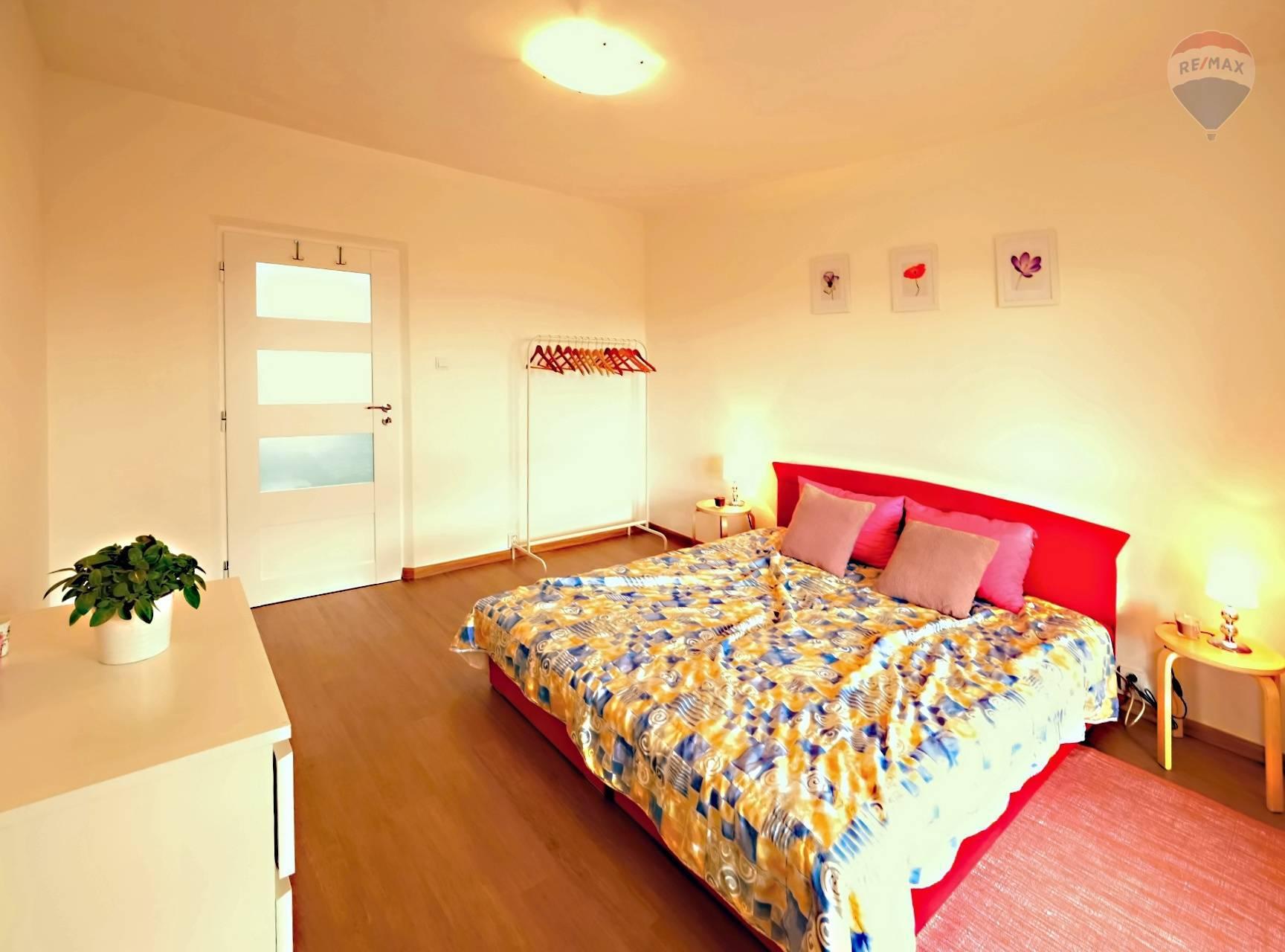 Na prenájom 2 izbový byt, Poprad, ZÁPAD, zariadený, balkón