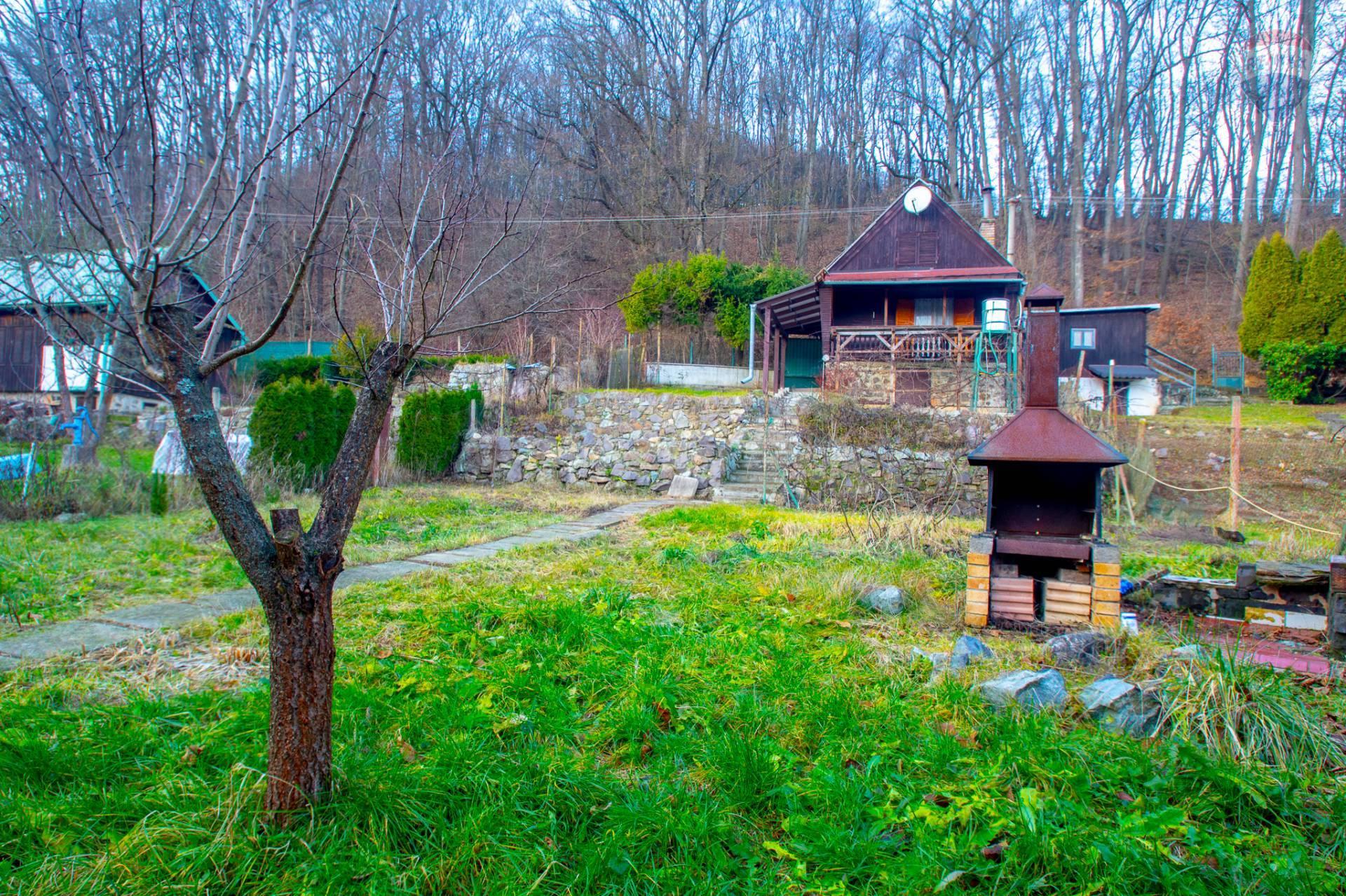 Na predaj záhrada a podpivničená Chata Sokoľ