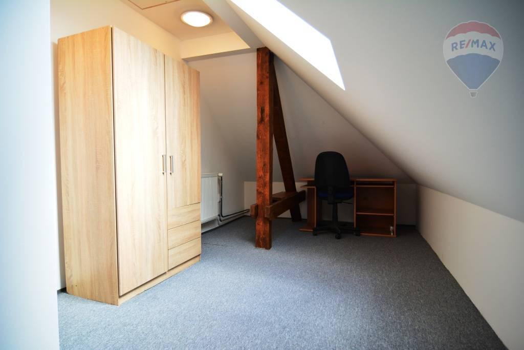 Na prenájom 3 izbový byt Poprad