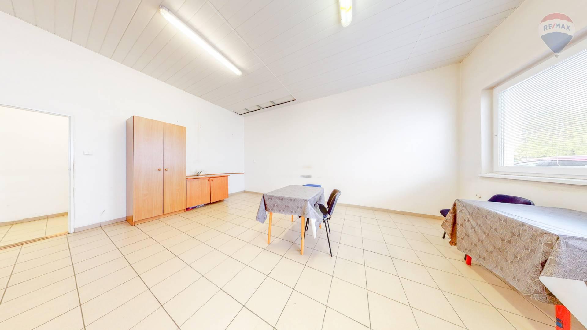 Na prenájom skladové priestory 30,3 m2 Michalovská ulica Košice