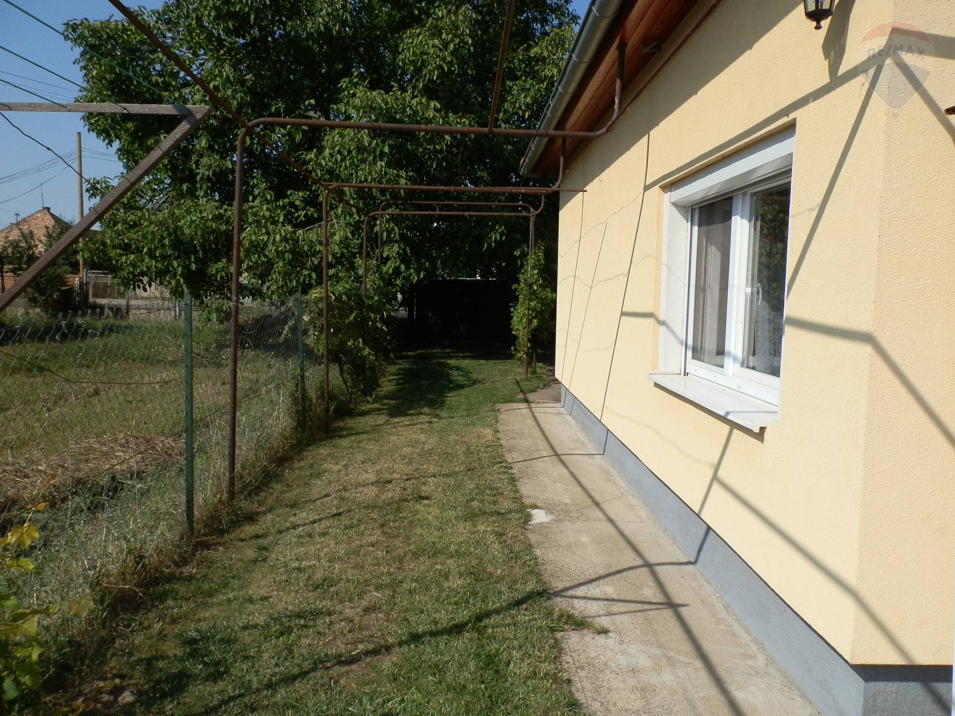 Prenájom domu 110 m2, Branč -