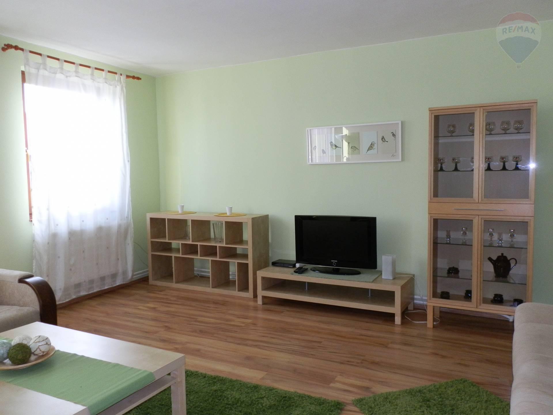 Prenájom 3 izbový kompletne zariadený byt centrum Nitra