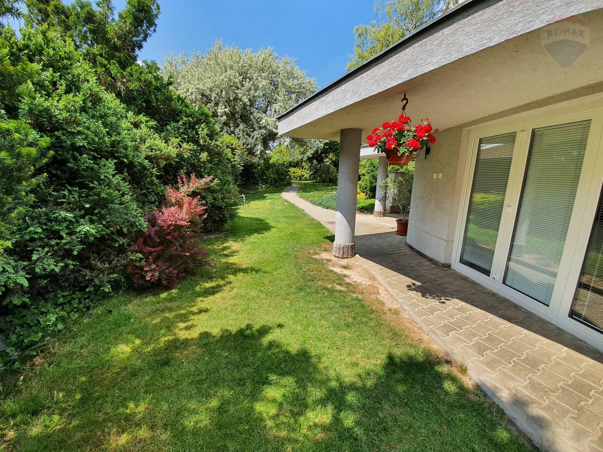 7-izbová vila s nádhernou záhradou, Tehla okr. Levice EXKLUZÍVNE