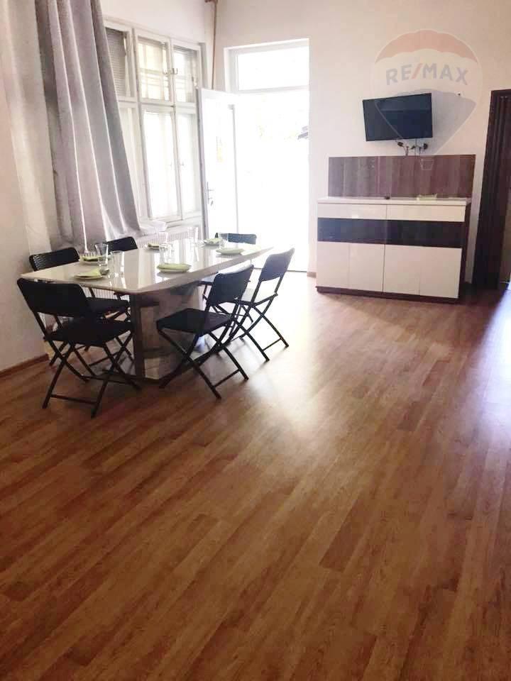 Predaj rodinný dom centrum Levice.