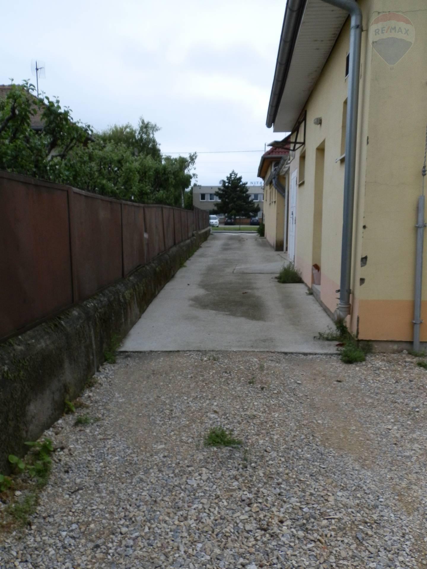 Prenájom komerčného priestoru 258 m2, Nitra - Prenájom priestorov Nitra Krškany
