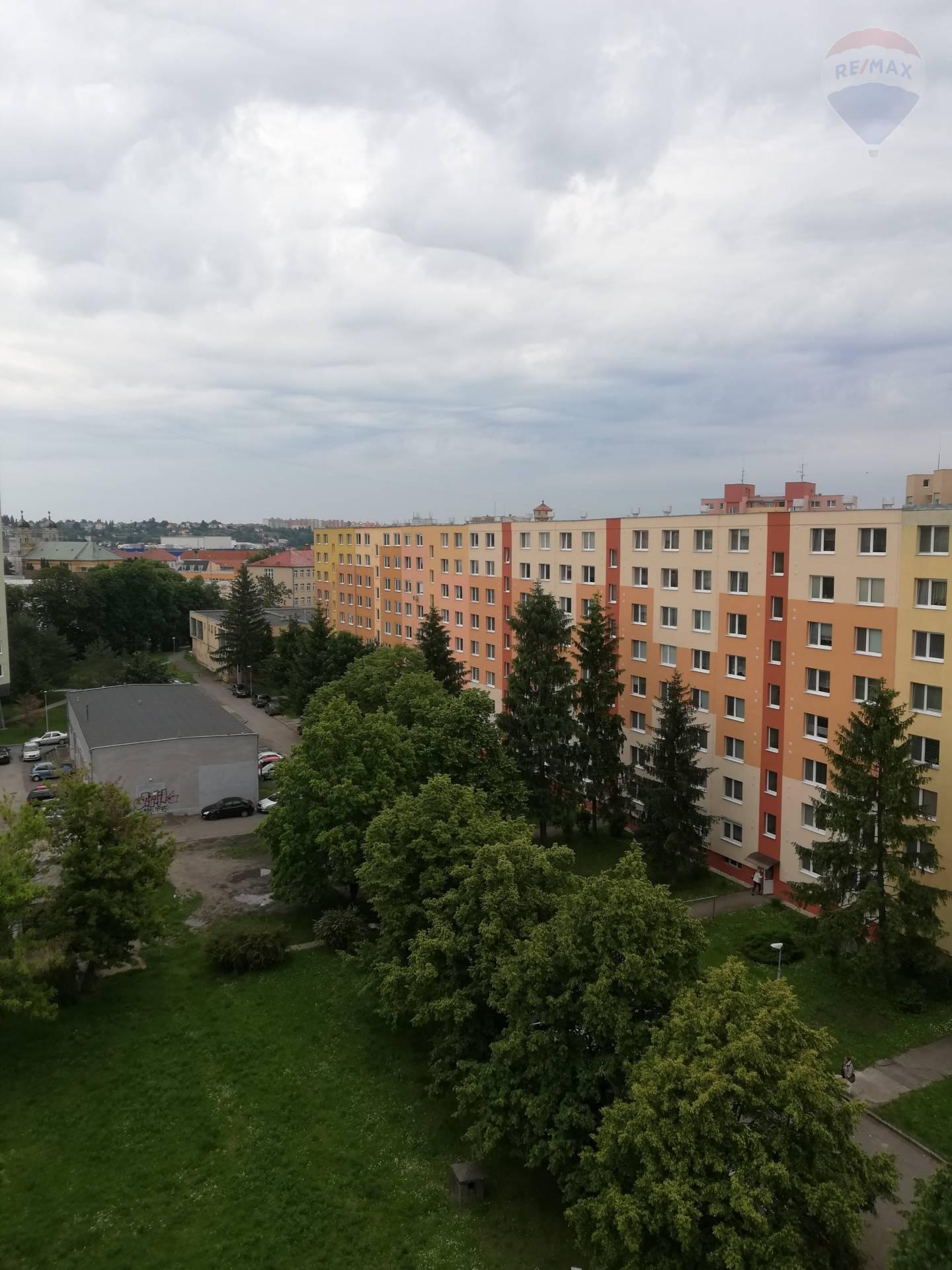 Na predaj 3 izbový byt 70 m2 Levice centrum.