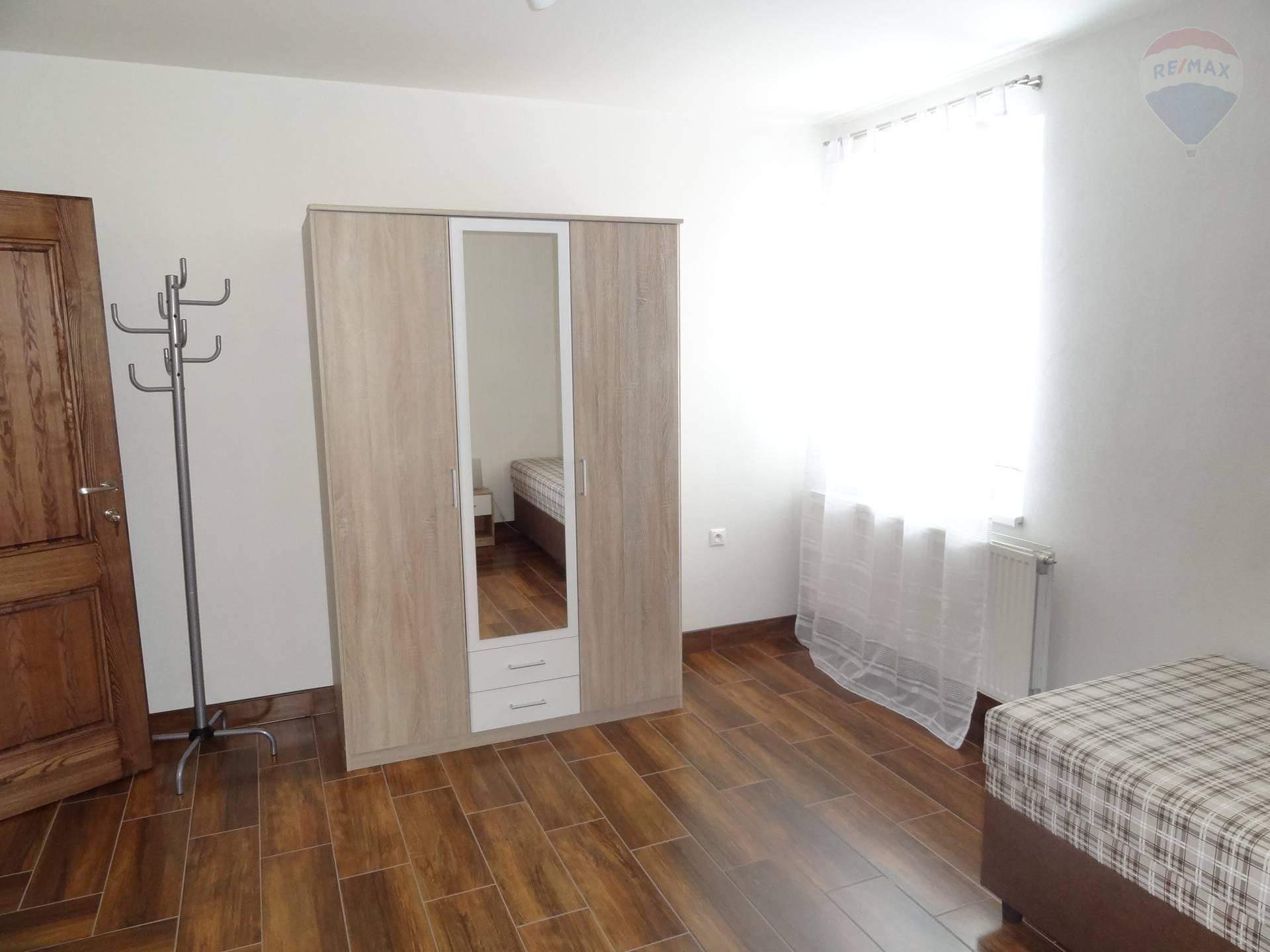 Prenájom domu 220 m2, Nitra -