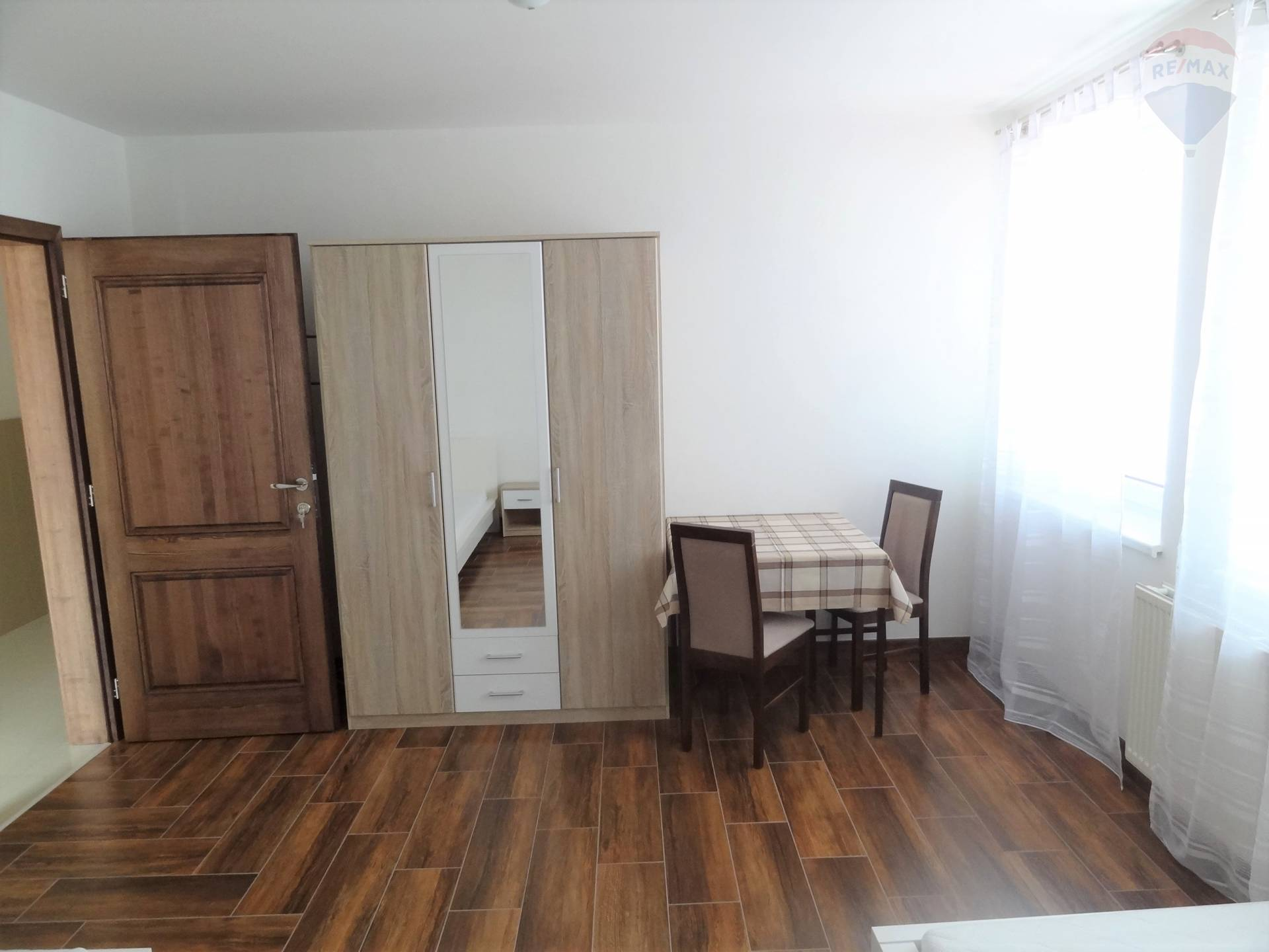 Prenájom komerčného priestoru 220 m2, Nitra -