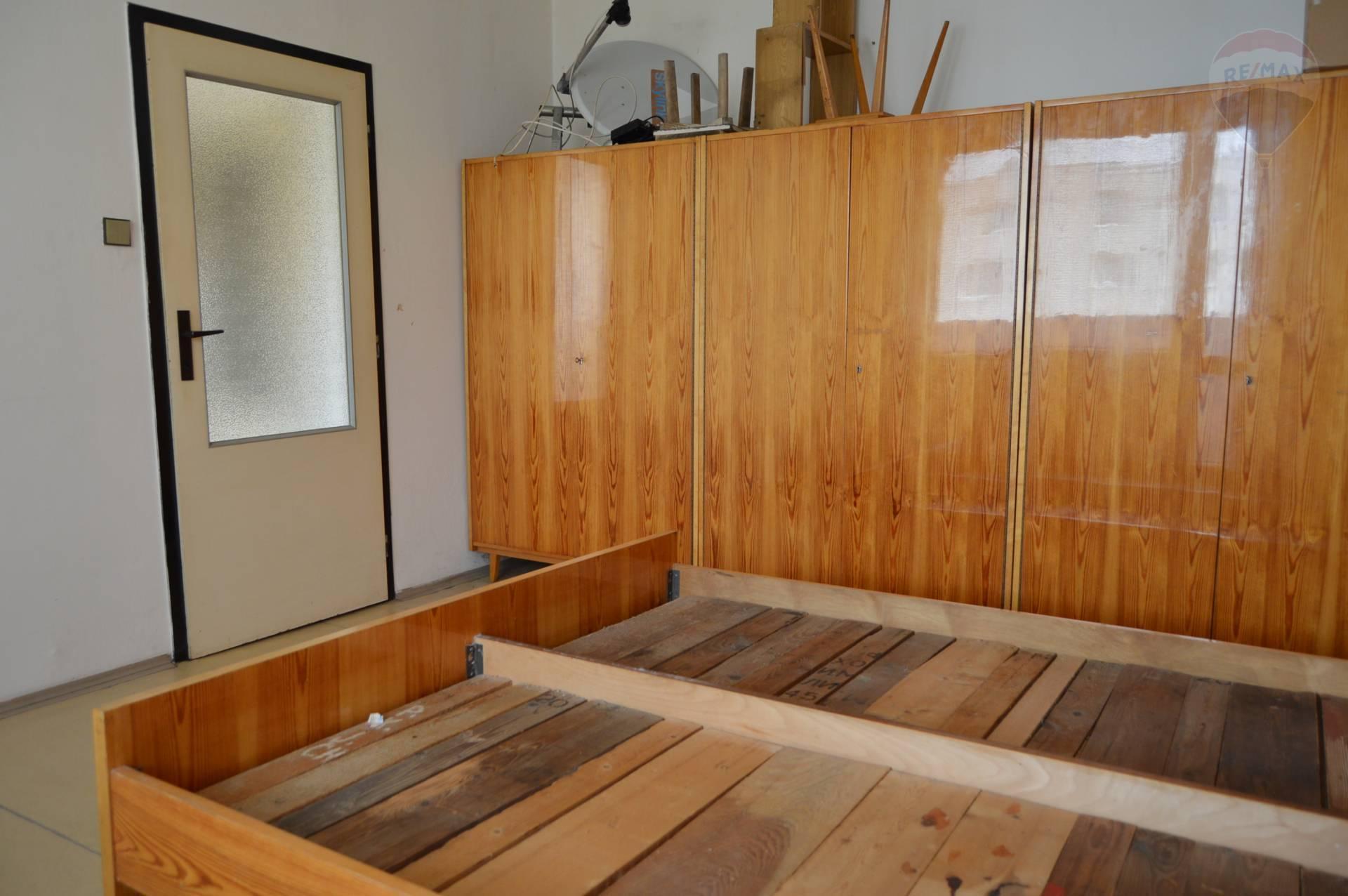 Predaj bytu (1 izbový) 37 m2, Nitra -