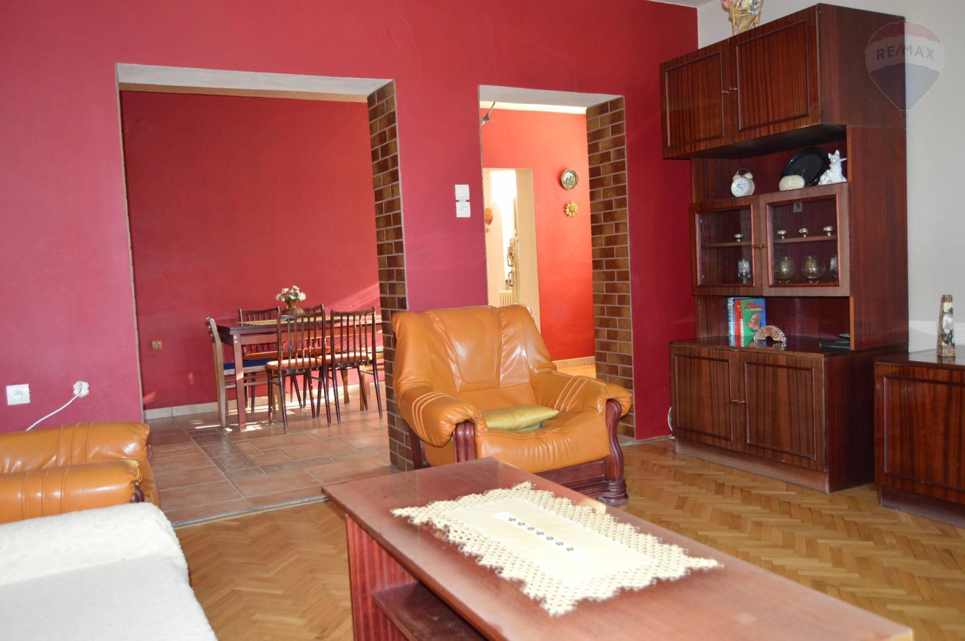 Predaj domu 270 m2, Jelenec -