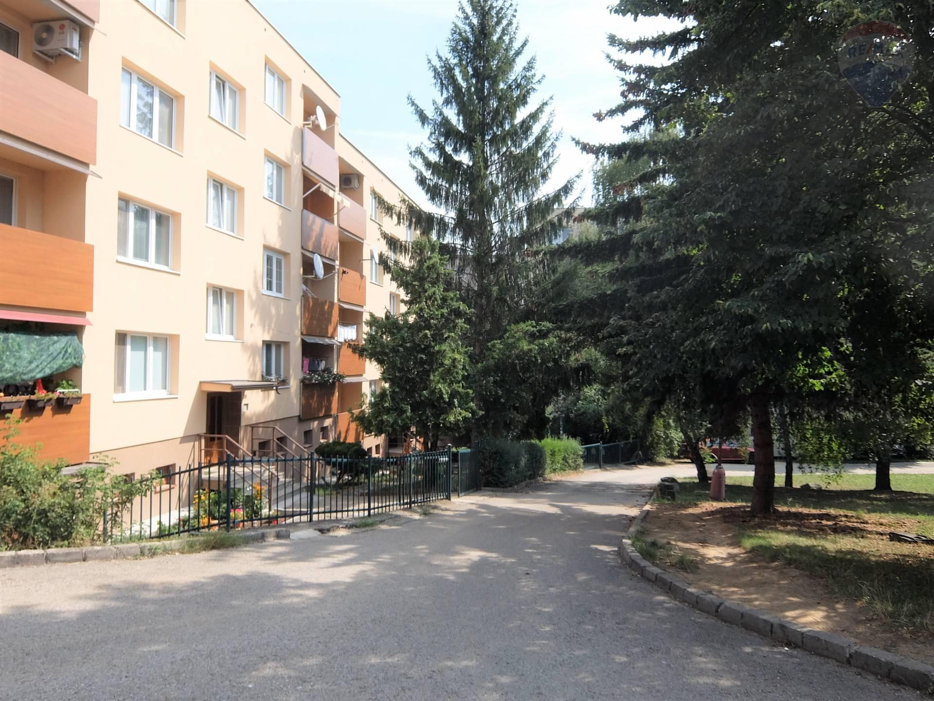 predaj 3 izbový byt Nitra, Hlboká
