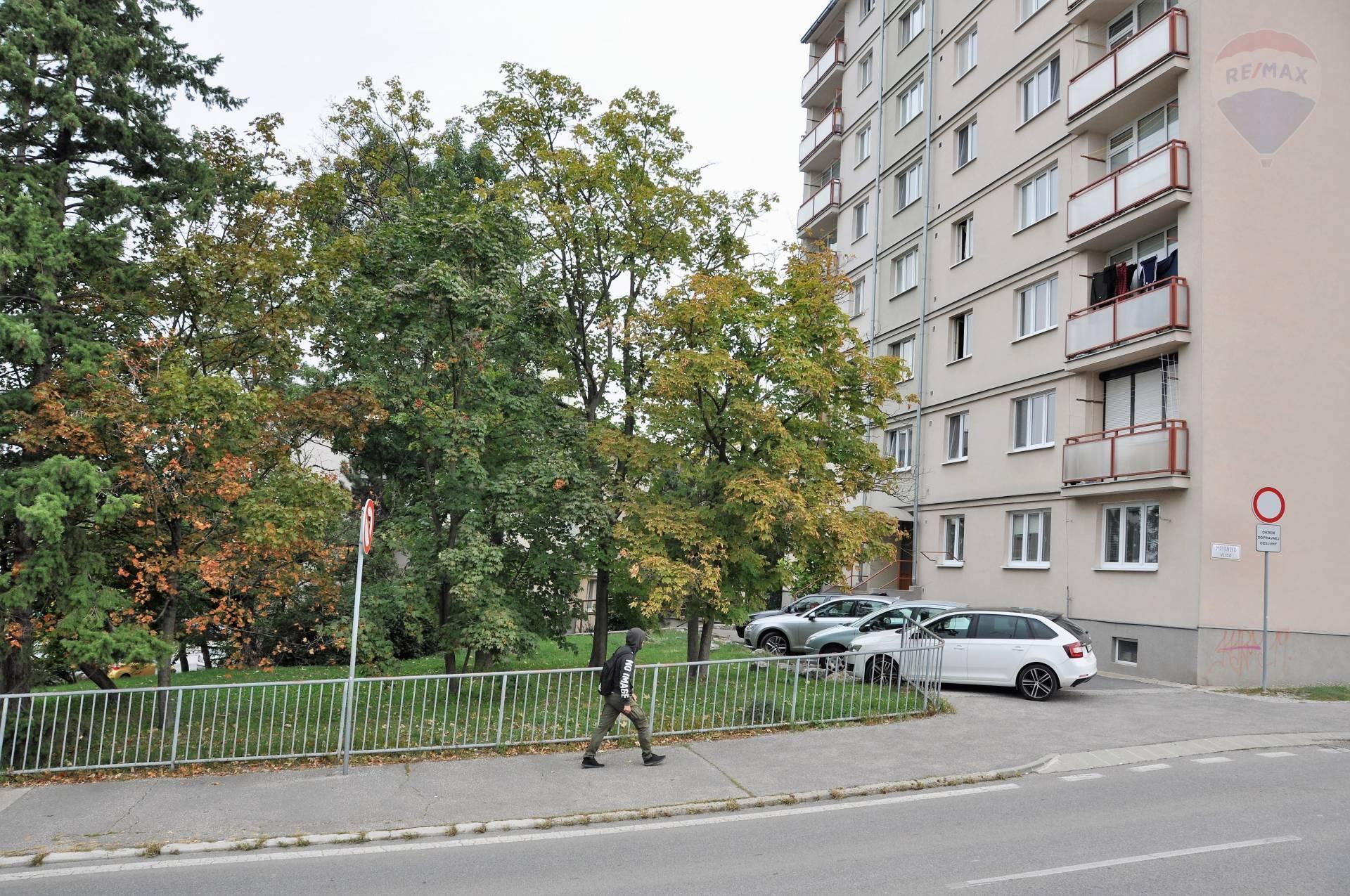 Predaj 1-izbový byt, prerobený na 2-izbový, Nitra – Centrum.