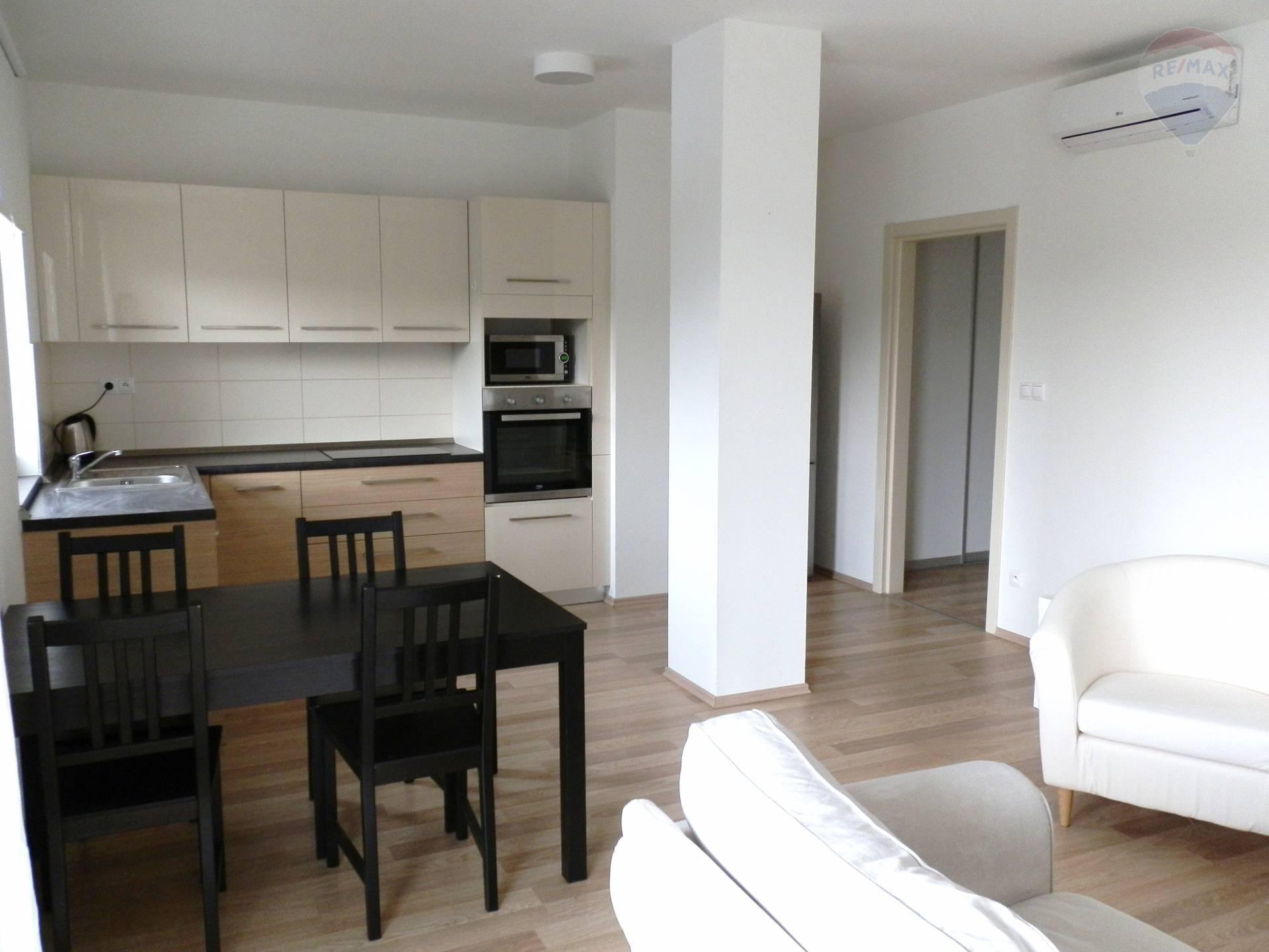 Prenájom bytu (2 izbový) 70 m2, Nitra - prenájom novostavba 2 izbový byt nitra