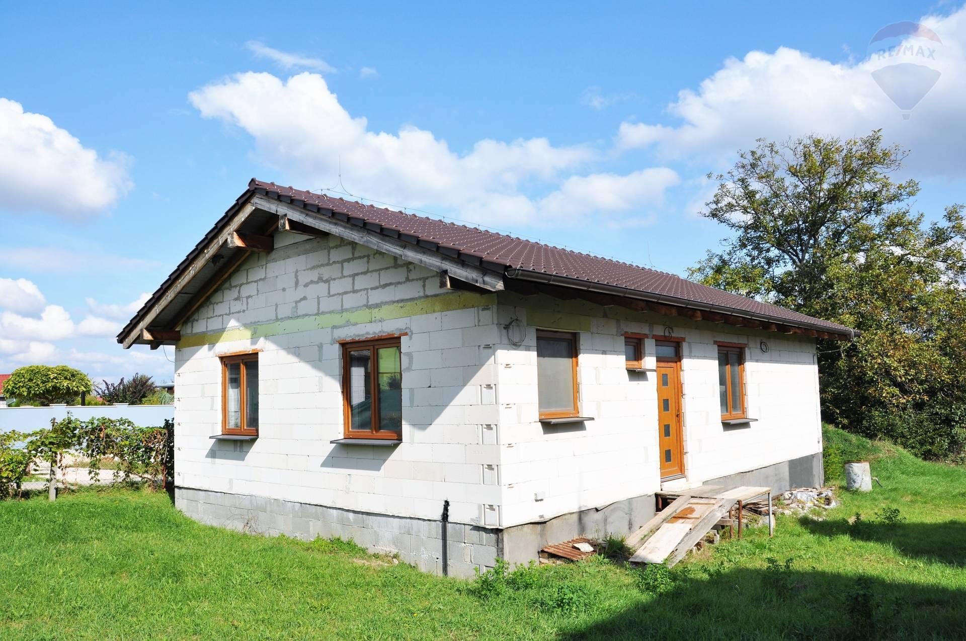 Predaj rozostavaný rodinný dom v obci Lužianky.