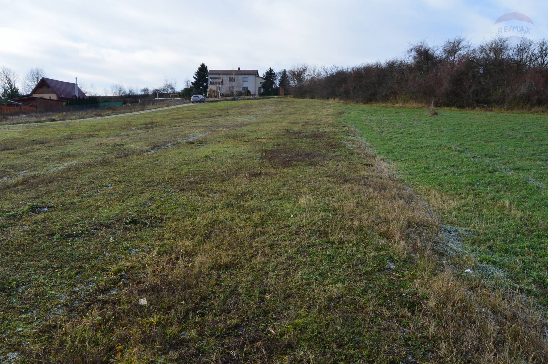 Predaj pozemku 1269 m2, Jelenec -