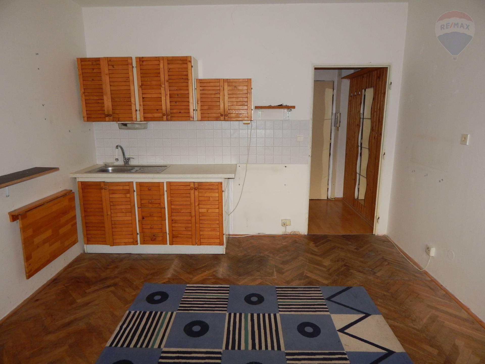 REZERVOVANÉ Garsónka 18 m² Nitra - Chrenová