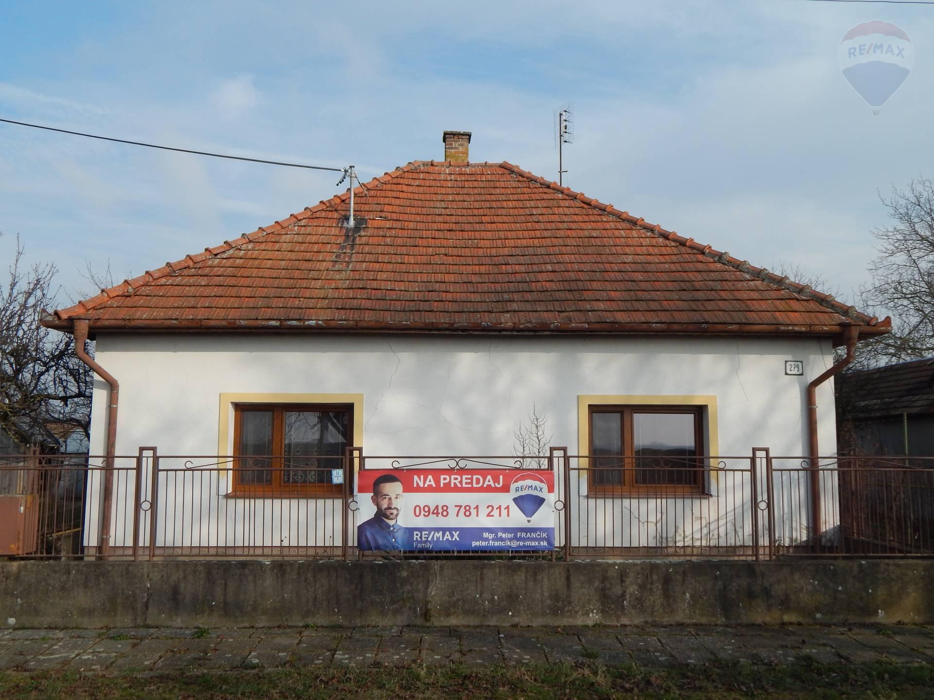 Rodinný dom na pozemku 1408 m² Šarovce okr. Levice